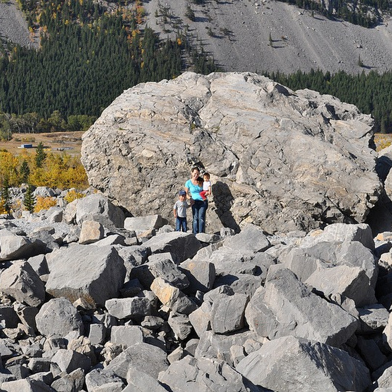 Frank Slide: Canada's Deadliest Rockslide Now a Tourist Attraction