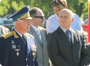 Глава города поздравил авиаторов