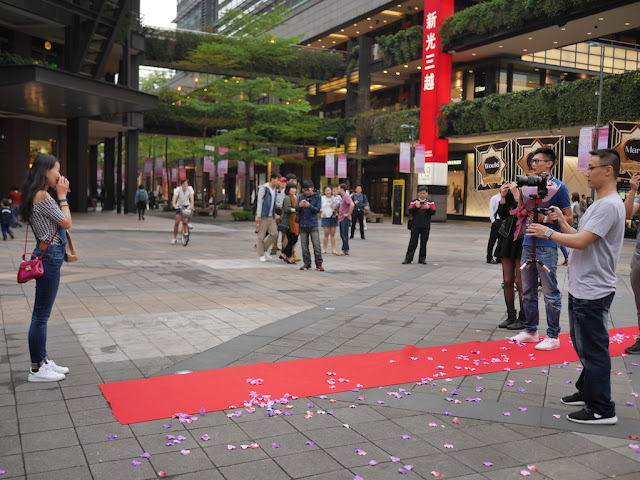 man professing his love to a woman in Taipei