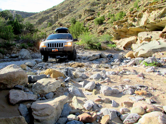 Rough wash crossing (photo by Alan Peterson)