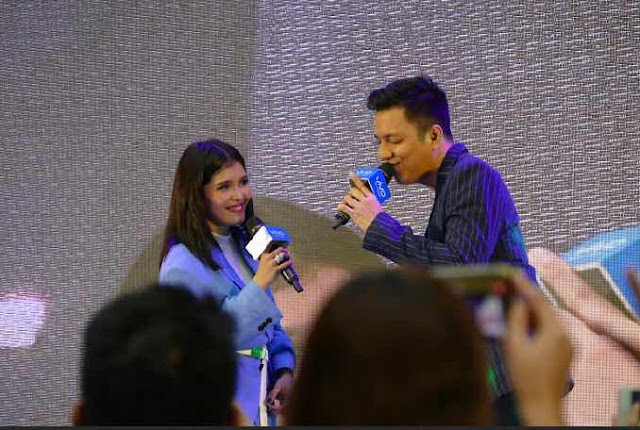 KZ Tandingan and TJ Monterde showcase superb musicality in Vivo V9 mall tour