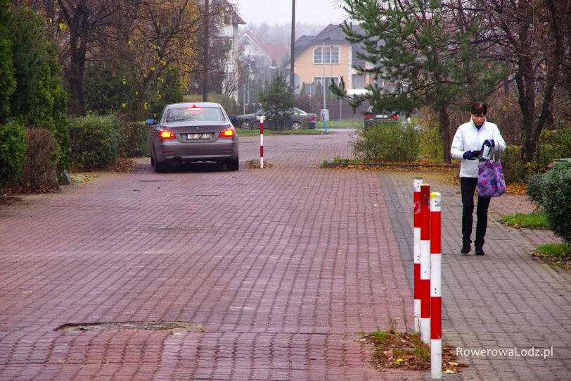 Progi skutecznie przekonują także kierowców nieco szybszych samochodów.