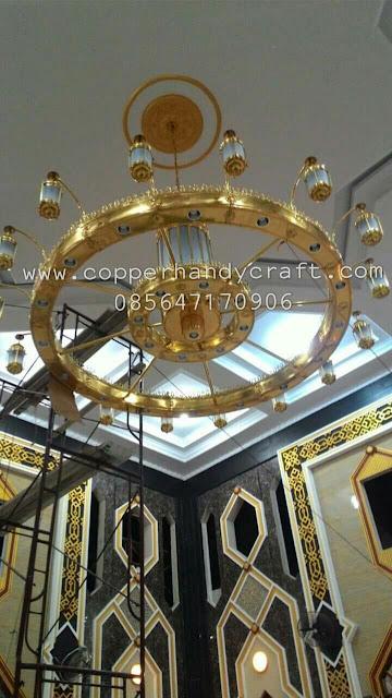 Pengrajin Lampu Hias Tembaga di Boyolali - Lampu Hias Masjid dari Tembaga - Produk Lampu Hias Masjid dari Tembaga Kuningan - Pembuat Lampu Tembaga di Boyolali - Lampu Tembaga di Boyolali