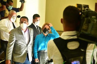 Ni siquiera Lucía Medina pudo entrar a ver los presos de su familia