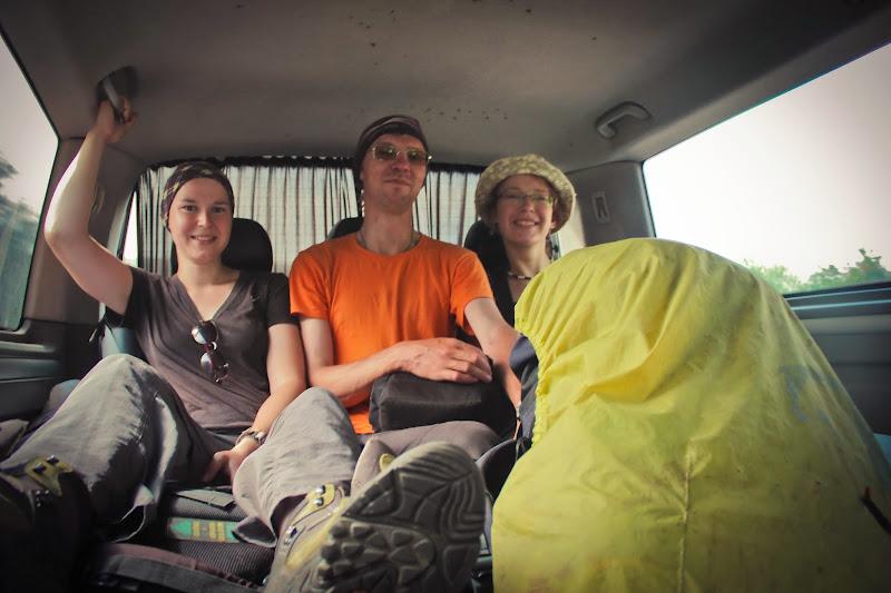 Вика, Стас и я - едем автостопом в Ахалцихе