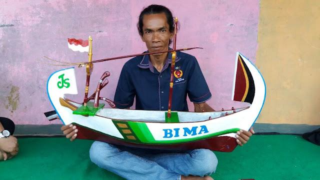 Warga Gembong Perkenalkan Perahu Replika Khas Muaragembong