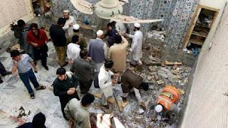 Attentat-suicide devant une mosquée du nord-ouest du Pakistan, 16 morts.