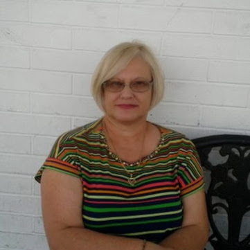 Elsa Oliva Photo 16