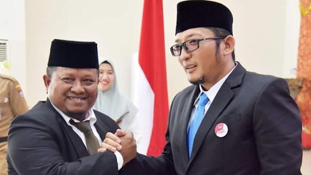 Foto: Kabag Protokol dan Komunikasi Pimpinan Amrizal Rengganis Salam Kompak Dengan Wakil Wali Kota Padang Hendri Septa.
