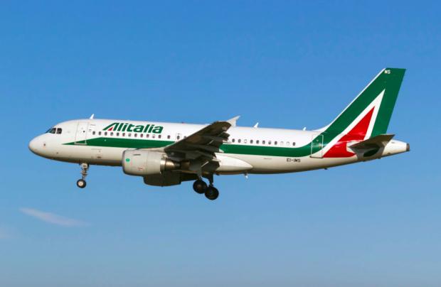 Voli cancellati, ecco quali biglietti rimborserà Alitalia e come fare