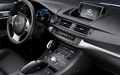 Lexus_CT_200h_2011_14_1920x1200