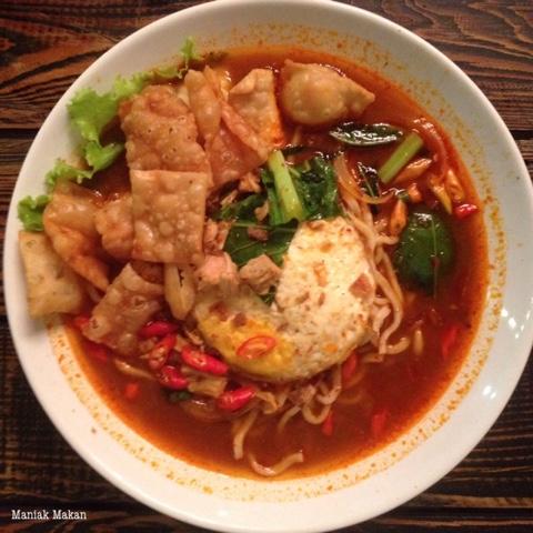 maniak-makan-kulineran-solo-killing-mie-badran-kotabarat-mie-godhok-rebus-level3-pedas