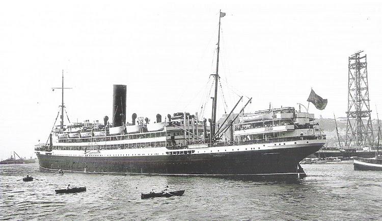 21-Barcelona. Ca. 1925. REINA VICTORIA EUGENIA.tif