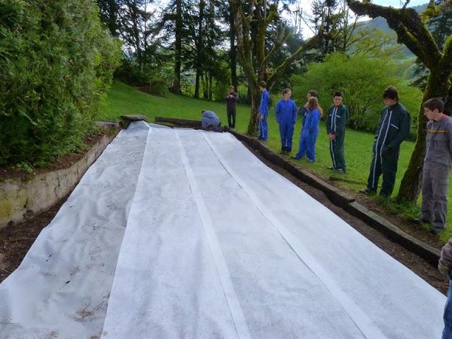 Notre nouveau terrain de p tanque les ateliers de l 39 ime la sapini re - Construire un terrain de petanque ...