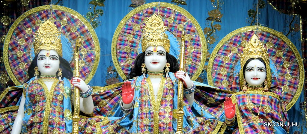 ISKCON Juhu Mangal Deity Darshan 09 Apr 16 (13)