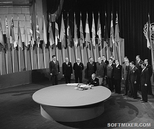 Chile_signs_UN_Charter_1945