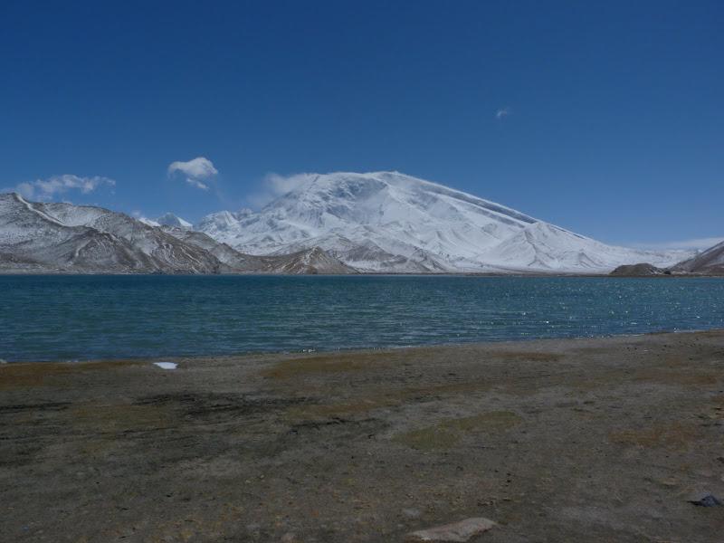 XINJIANG. Karakoram Highway, lune des plus haute route au monde, en passant a 4400 m - P1280524.JPG