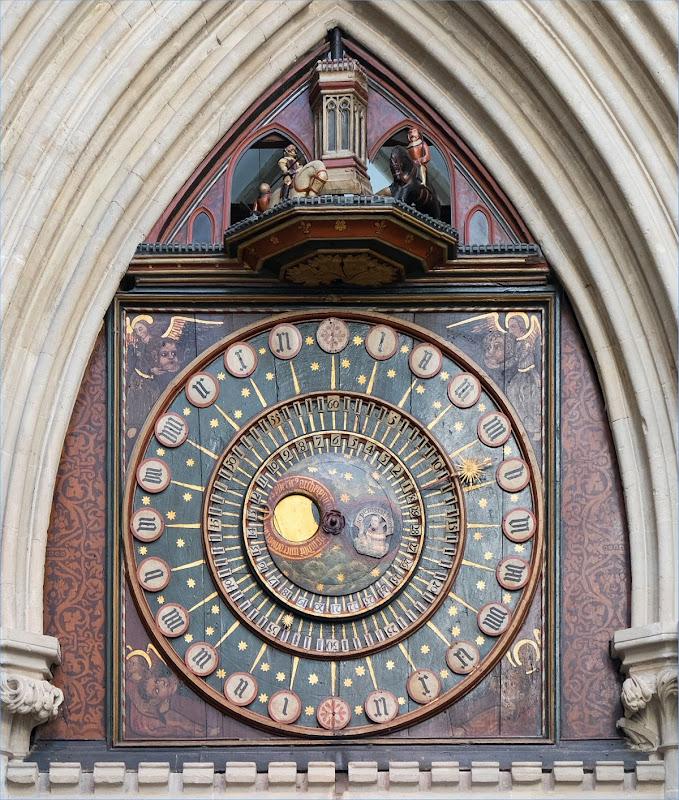 Wells_clock