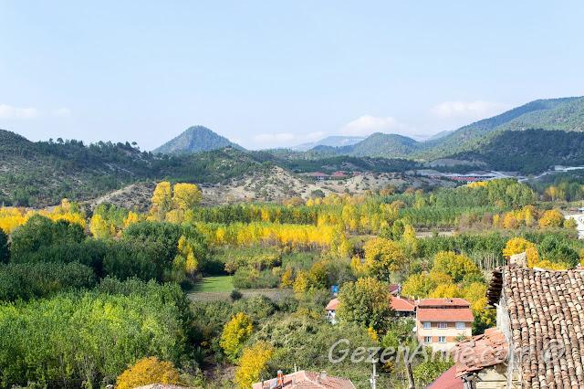 Adeta bir Toscana görünümündeki sonbaharda Sakarya ovaları