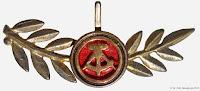228b Medaille Ehrenzeichen für Körperkultur und Sport www.ddrmedailles.nl