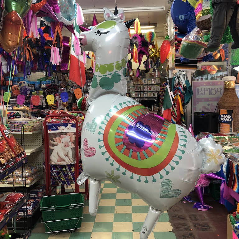 Dino's party and supplies - Party Store in San Fernando