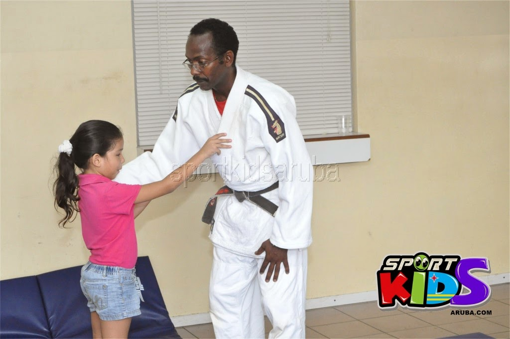 Reach Out To Our Kids Self Defense 26 july 2014 - DSC_3201.JPG