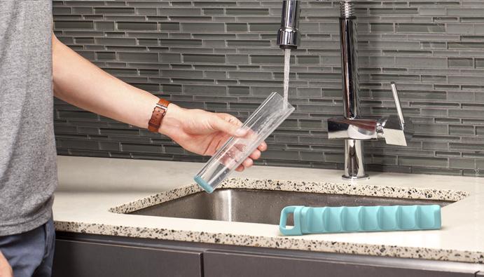 *輕鬆用拉的製冰器 Cube Tube:衛生與便利來自Quirky設計團隊! 2