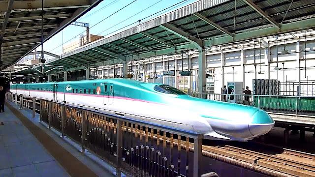 Shinkansen E5 Hayabusa