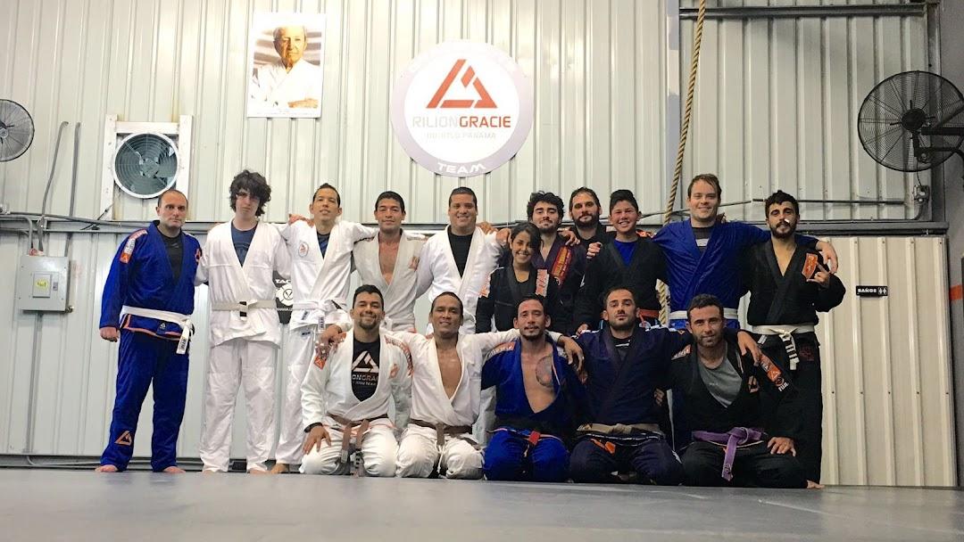 Rilion Gracie Jiu Jitsu Academy Panama - Escuela De Artes