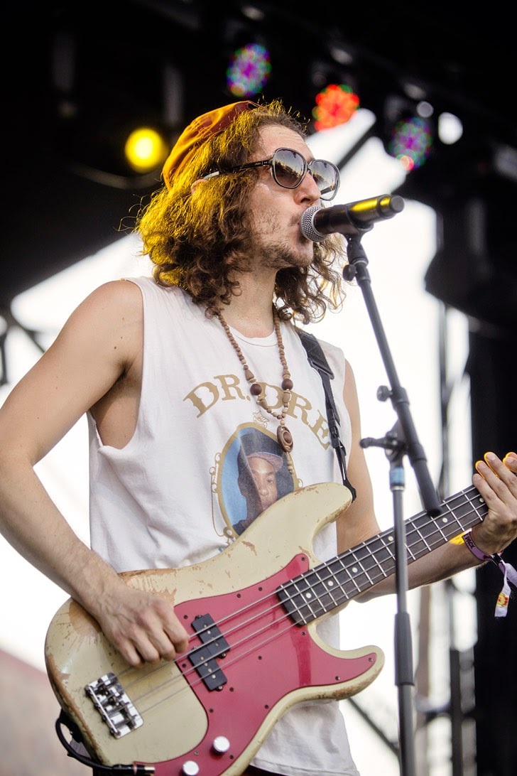 Vacationer Tour Life is Beautiful Photos.