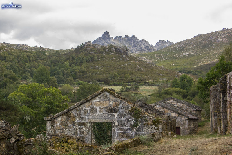 Resultado de imagen de salgueiro abandonado pobo de galicia