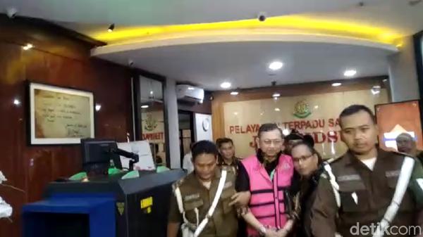 Eks Dirut Jiwasraya Hendrisman Ditahan Kejagung!