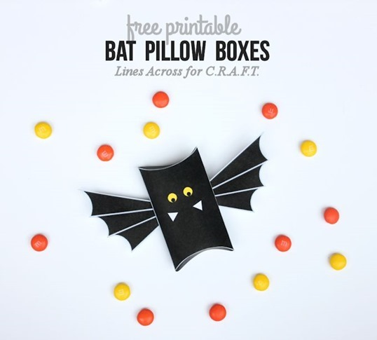 Free-Printable-Bat-Pillow-boxes-Halloween