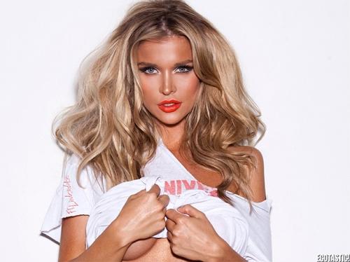 Phat cuong voi my nu Playboy Joanna Krupa  Anh 15