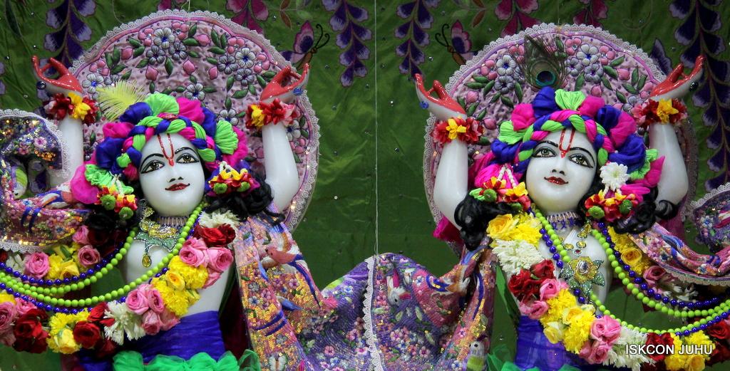 ISKCON Juhu Deity Darshan on 20th Oct 2016 (36)
