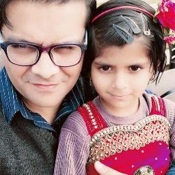 user Sabeen Khan apkdeer profile image
