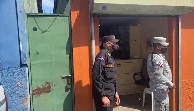Video | Operativo de Pro Consumidor en puestos de medicamentos en Moca termina a tiros, botellazos y piedras