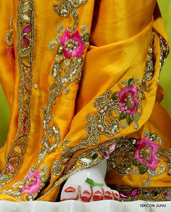 ISKCON Juhu Mangal Deity Darshan 05 Mar 2016 (28)
