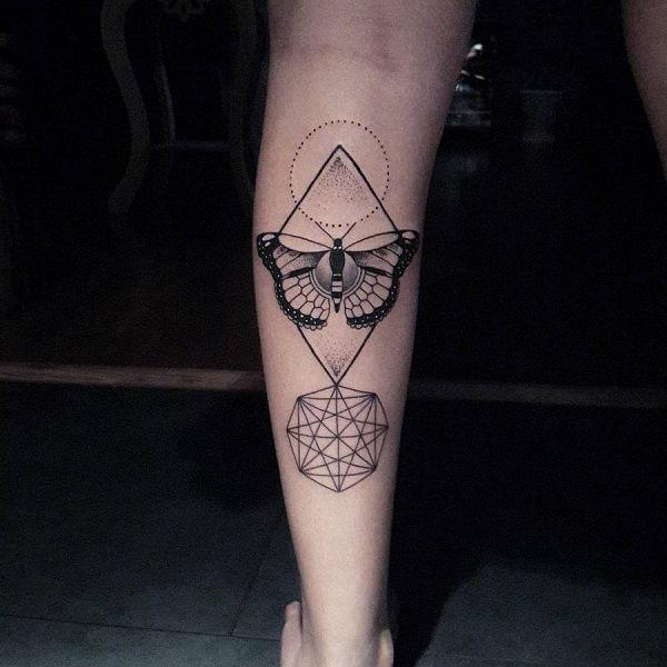este_geometricamente_maravilhoso_tatuagem_de_borboleta