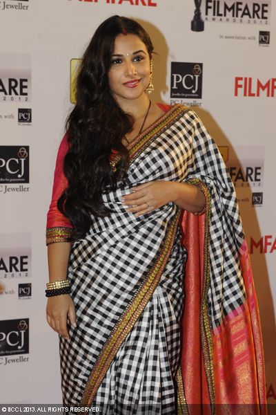 Vidya Balan, who is nominated in &#039;Best Actress&#039; category, looked lovely in a sari during the 58th Idea Filmfare Awards, held in Mumbai.Click here for:<br />  58th Idea Filmfare Awards<br /> <br />