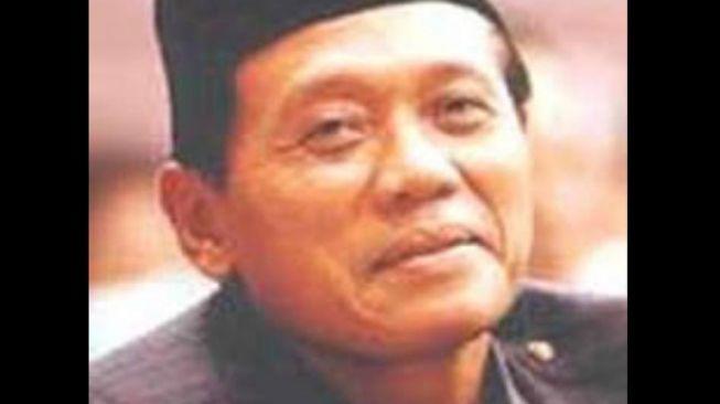 Profil Harmoko, Mantan Menteri Penerangan Orba Khas Ucapan Atas Petunjuk Bapak Presiden