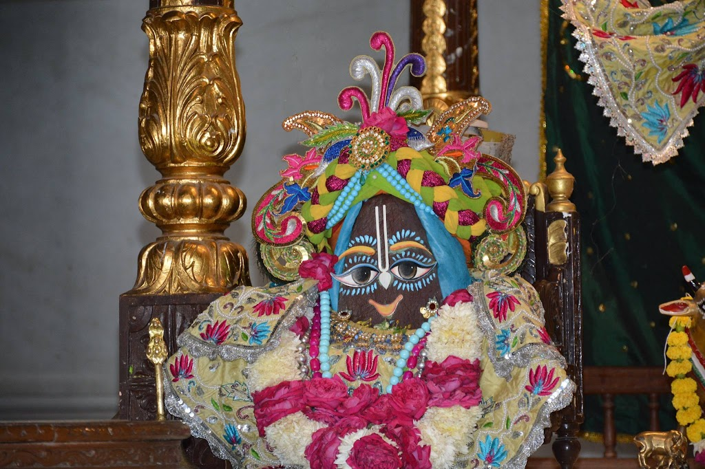 ISKCON Ujjain Deity Darshan 14 Dec 2015 (7)