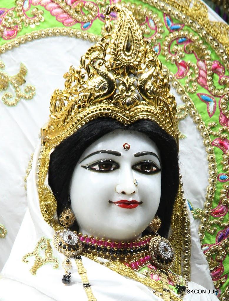 ISKCON Juhu Mangal Deiy Darshan 10 Apr 16 (30)