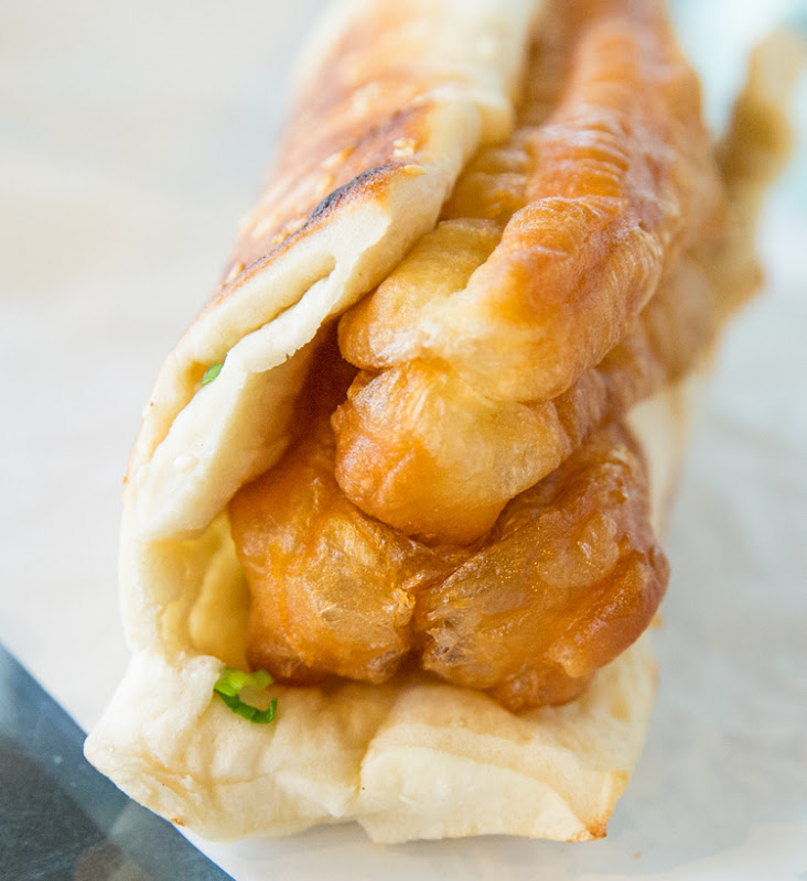 close-up photo of Shao Bing with Fried Cruller