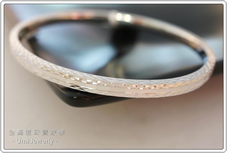 白金手環-時尚刻花女生鉑金手環