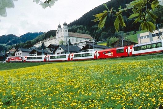 bahnreisen-disentis-glacier_express-rhb