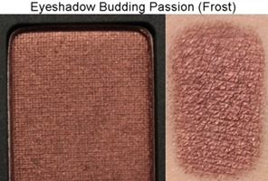 BuddingPassionFrostEyeshadowMAC2