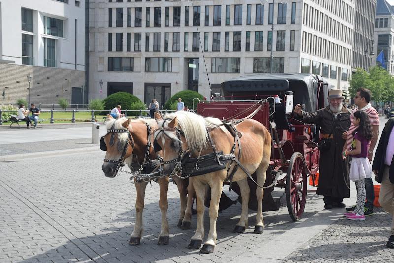 Porte de Brandenbourg, PriserPlatz, Mitte à Berlin, Allemagne, Travel, Voyages, TravelBlogger