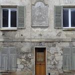 2 rue de Meaux : maison à cadran solaire