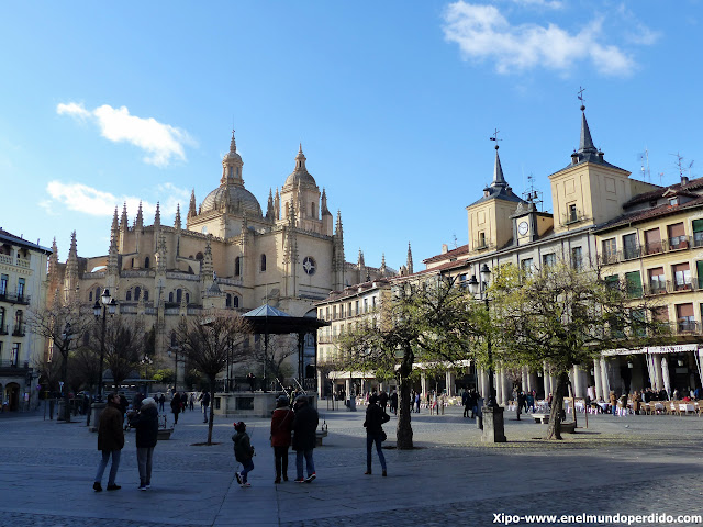 plaza-mayor-segovia.JPG